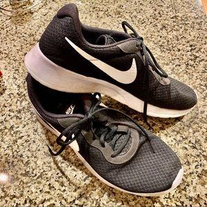 Men's Black Nike Sneakers